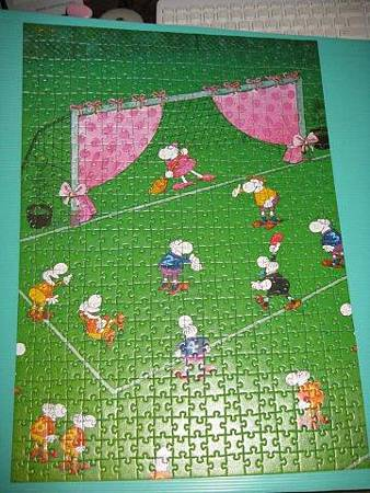2012.01.13 500 pcs Goal Keeper's Wife (10).jpg