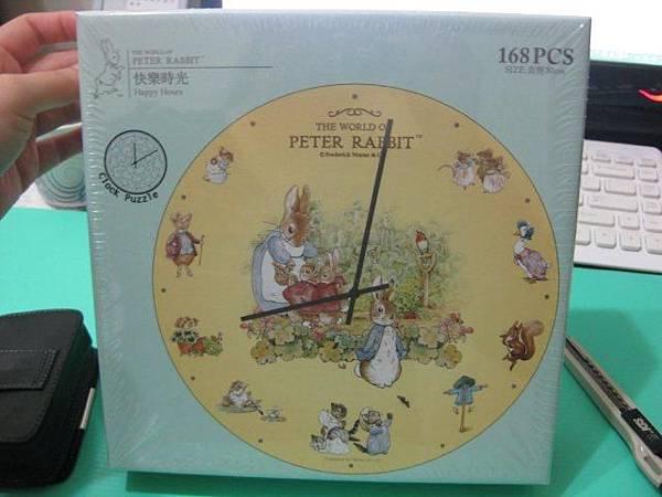 2012.02.05 168片快樂時光(Peter Rabbit)時鐘拼圖 (1).jpg