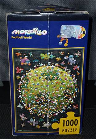 1000 pc-Football World-b.JPG