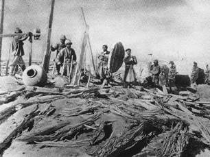 1903年赫丁发掘楼兰古城时摄-1.jpg