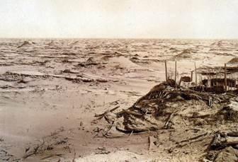 1903年赫丁发掘楼兰古城时摄-2.jpg