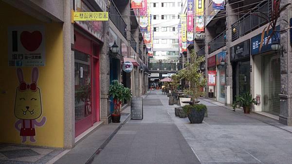 2014.07.12 雷諾瓦台中一中店 (8).jpg