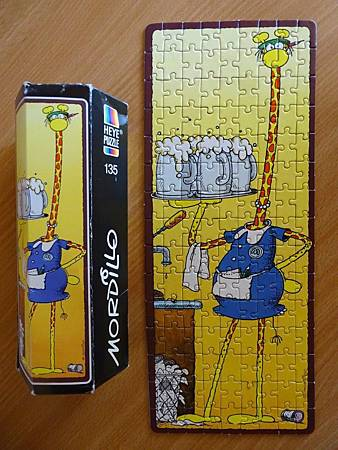 very rare 135-pieces puzzle in the hexangular Box (Waitress, or Barmaid).jpg