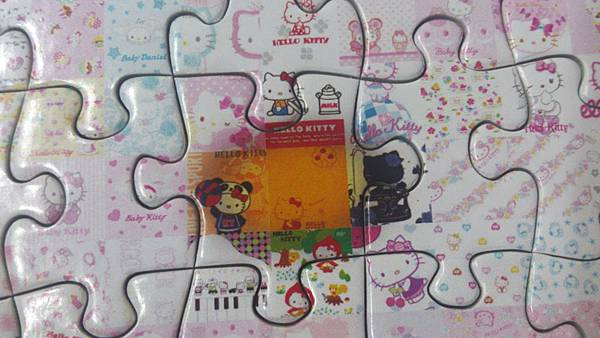 2015.09.12 300pcs Hello Kitty Mosaic Art (2).jpg