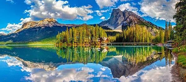 Castorland B-060092 - Emerald Lake, Canada - 600 p.jpg
