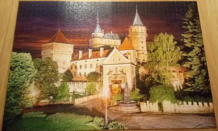 2017.11.22 1000pcs Bojnice Castle Night.jpg