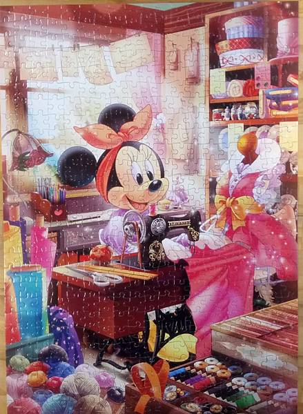 2017.11.25 500pcs Minnie's Sewing Room (1).jpg