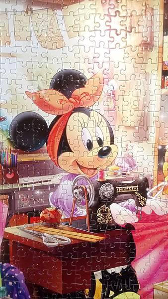2017.11.25 500pcs Minnie's Sewing Room (2).jpg
