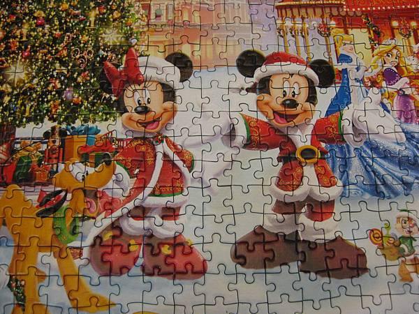 2017.12.15 1000pcs Disneyland Paris - Christmas 2013 (2).JPG