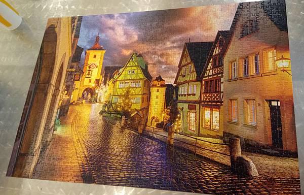 2017.12.26 1000pcs Rothenburg at Night (1).jpg