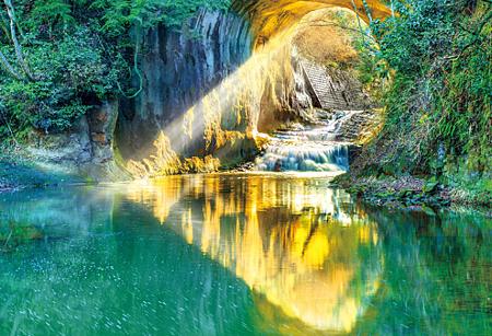 龜岩洞窟(千葉).png