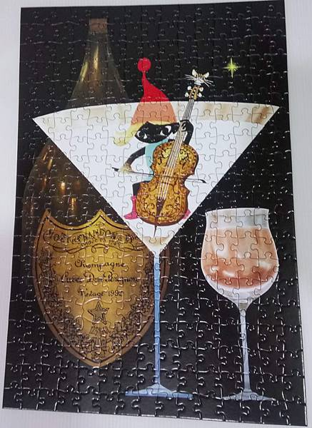 2018.08.21 300pcs Champagne Toast with a Elf (2).jpg