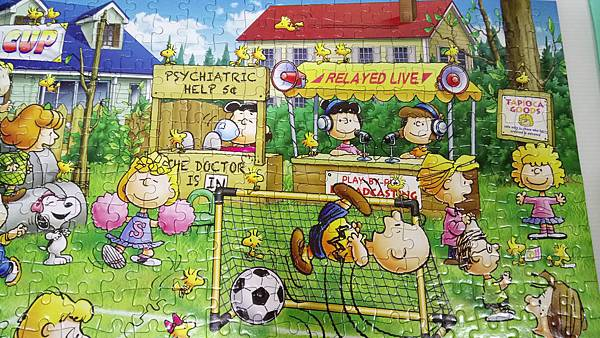 2018.10.31 500pcs Snoopy Football (3).jpg