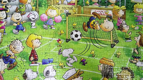 2018.10.31 500pcs Snoopy Football (4).jpg