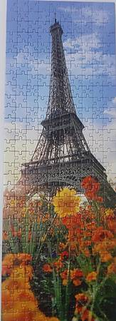 2019.07.10 300pcs The Eiffel Tower among Flowers (1).jpg