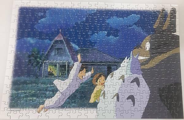 2020.09.16 300pcs トトロに飛びつけ 飛撲龍貓 Totoro (3).jpg