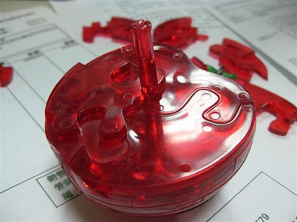 2010.09.14 44片水晶立體拼圖:紅蘋果 (11).JPG