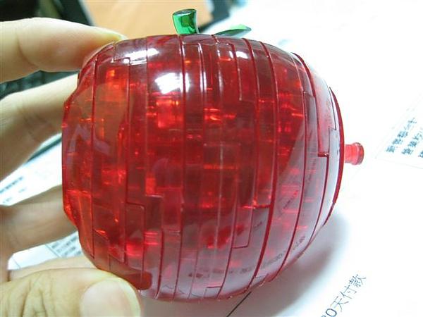 2010.09.14 44片水晶立體拼圖:紅蘋果 (23).JPG
