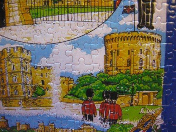 2010.11.08 300 pcs Windsor tea towel (12).jpg