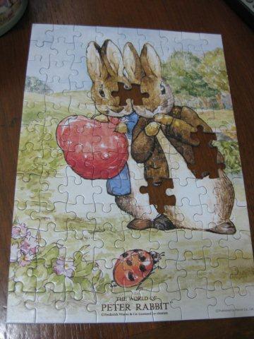 2011.04.09 108 pcs Peter Rabbit - Peter and Benjamin 比得與班傑明 (2).jpg