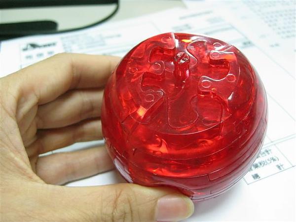 2010.09.14 44片水晶立體拼圖:紅蘋果 (21).JPG