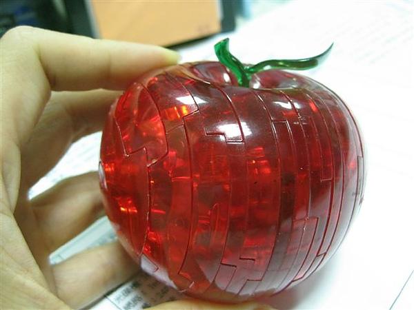 2010.09.14 44片水晶立體拼圖:紅蘋果 (33).JPG