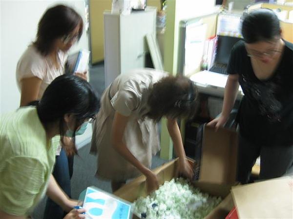2010.09.03 Liberty到貨 (2).JPG