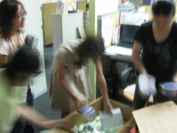 2010.09.03 Liberty到貨 (5).JPG