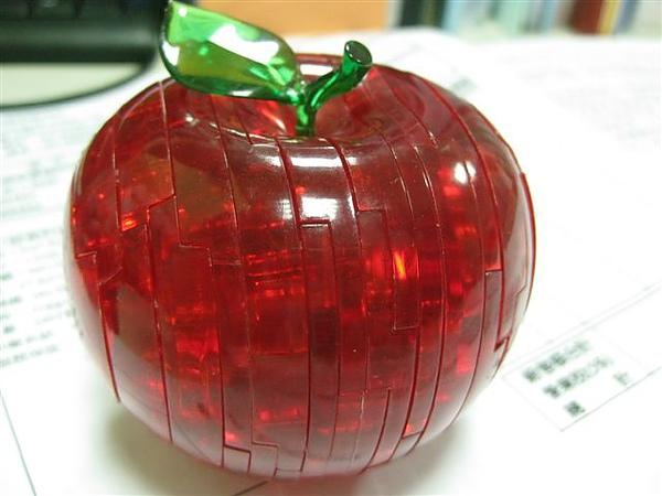 2010.09.14 44片水晶立體拼圖:紅蘋果 (30).JPG