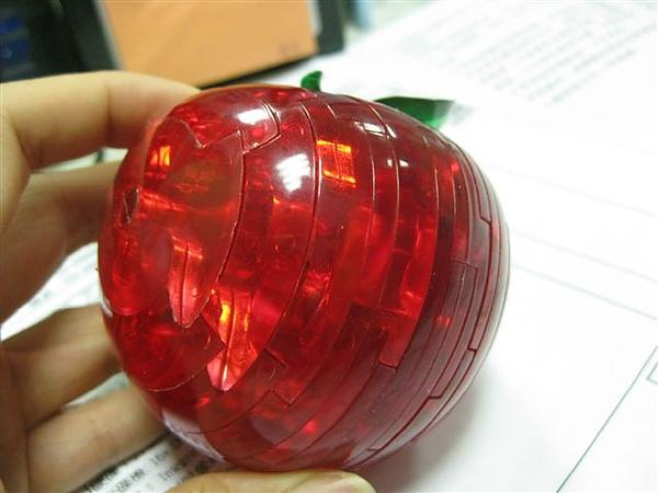 2010.09.14 44片水晶立體拼圖:紅蘋果 (32).JPG