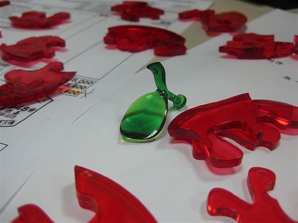 2010.09.14 44片水晶立體拼圖:紅蘋果 (4).JPG
