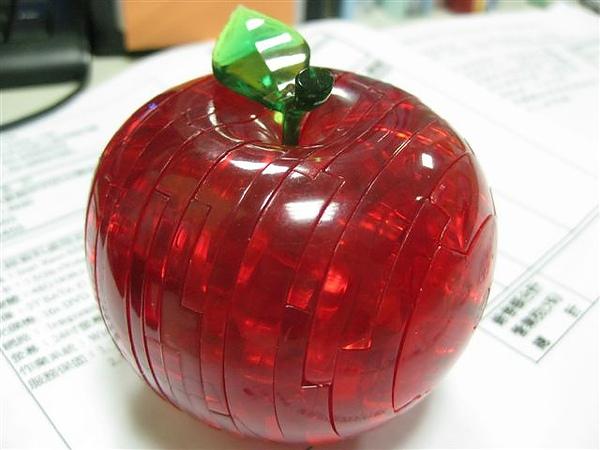 2010.09.14 44片水晶立體拼圖:紅蘋果 (31).JPG