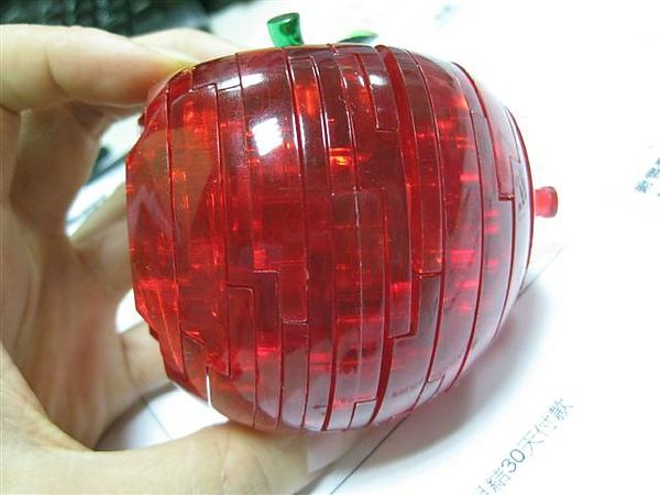 2010.09.14 44片水晶立體拼圖:紅蘋果 (22).JPG