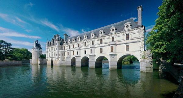 800px-Chateau_de_Chenonceau_2008E.jpg
