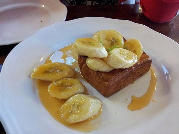 甜麵包餐:皇后土司淋蘭姆焦糖燒香蕉