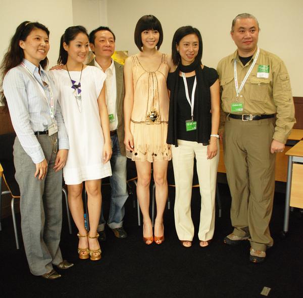 20081020放映會後接受華視新聞訪問