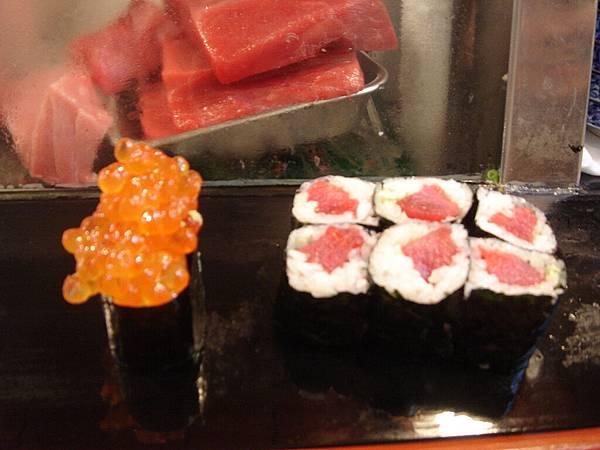 鮭魚卵和鐵火捲