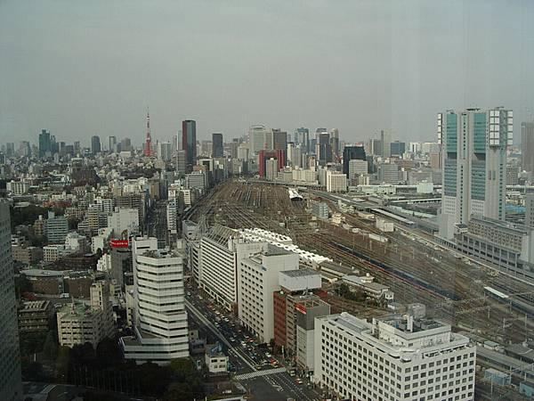 此時ichi回飯店把相片弄出來 順便照照窗景~