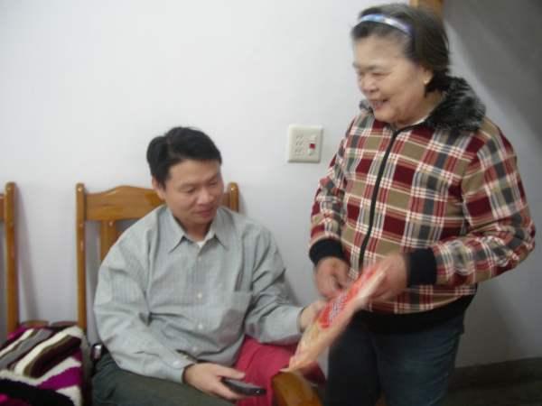 外婆與舅舅.JPG