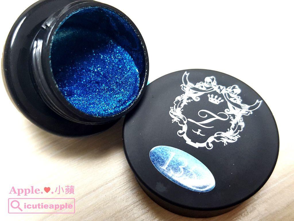 wT50:亮粉彩膠-藍色#135開箱特寫照