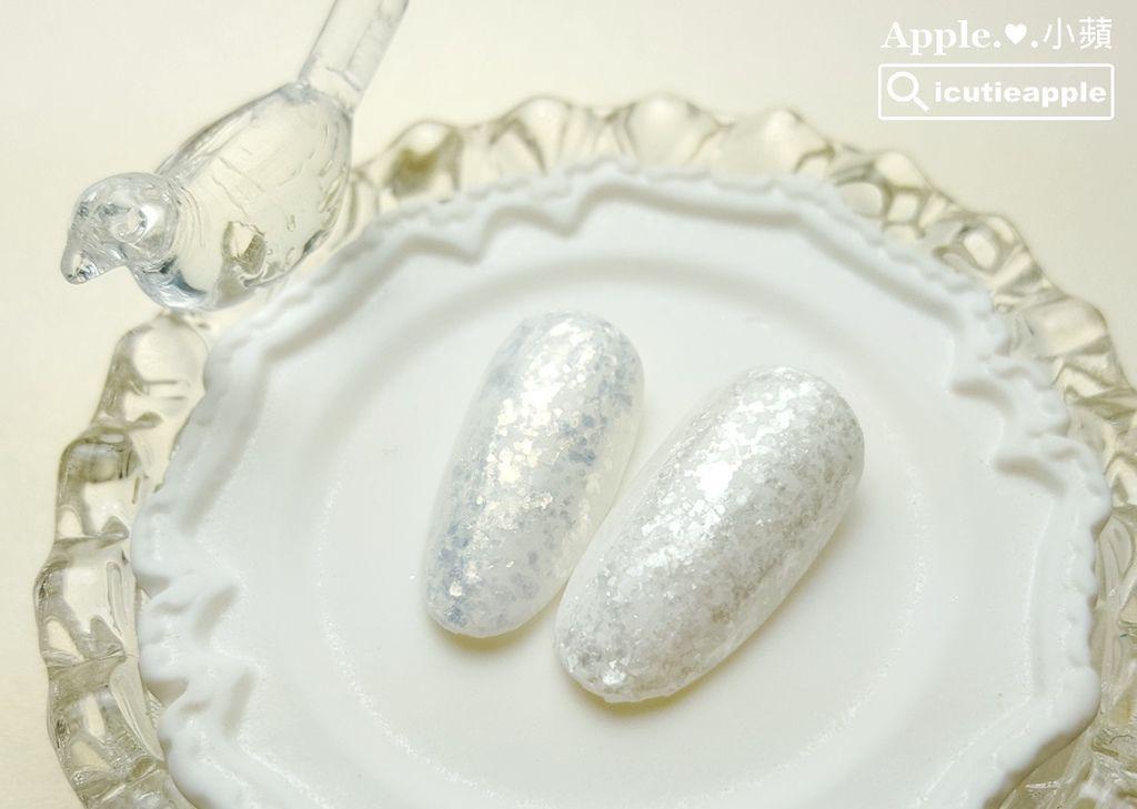 左邊是Shine Gold片狀的白金色,右邊是Shine Silver片狀的白銀色