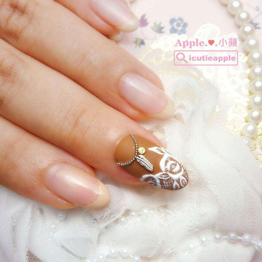 以很有質感的咖啡色Leafgel #507作底色,搭配微浮雕霧面刺繡花朵彩繪,真的很美~