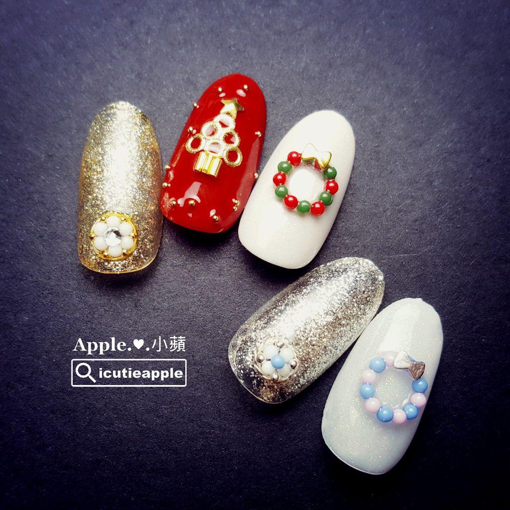特地應景作了耶誕節美甲設計款。(使用色號:Leafgel #007、#003、#427、#304、#305、#039)