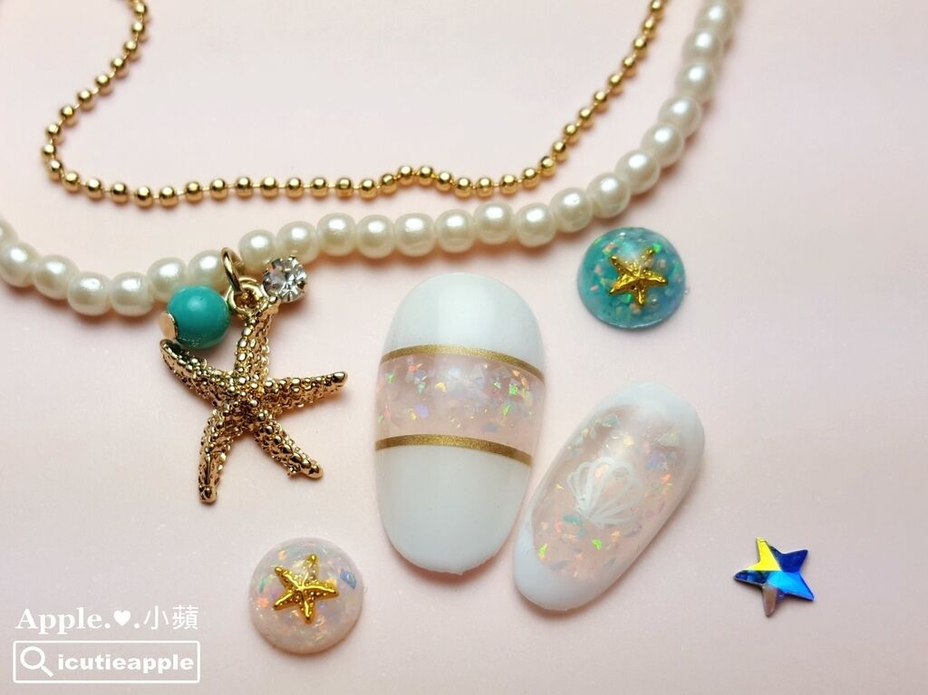 wJ34:好美的KOKOIST京都蛋白石寶石膠應用,覺得好像沙灘上一閃一閃的貝殼在閃耀著繽紛的光茫,好美呀~(圖中還使用了超有質感的BLC金線貼)