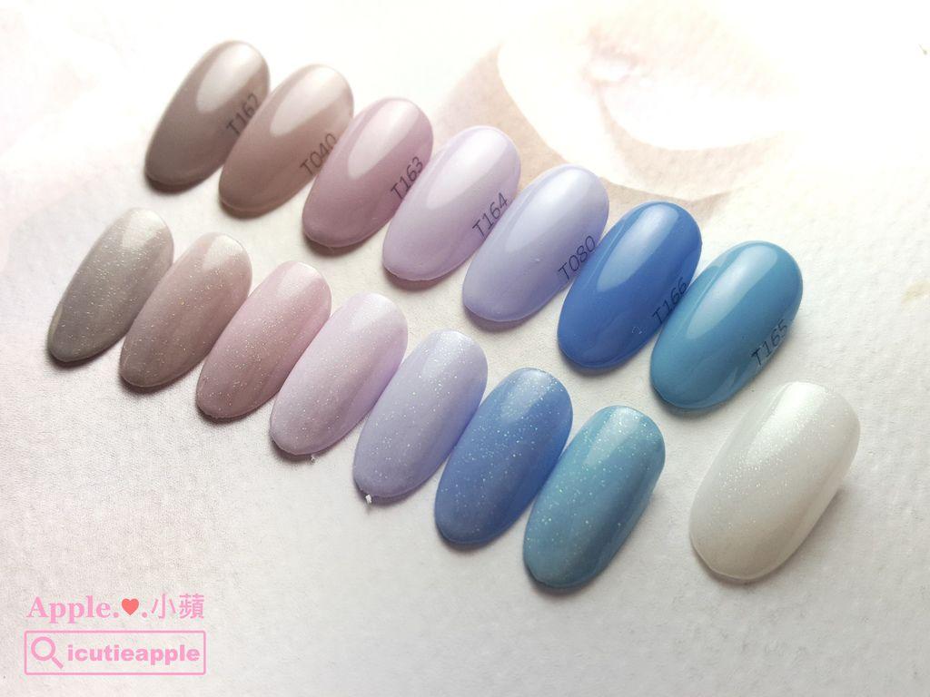 wTS-13:底部彩膠的顏色(由左到右)分別為:Tiara #162、#040、#163、#164、#080、#166、#165,小蘋使用Tiara #172(最右邊那片) 疊擦一層在這些藍色系彩膠上,賦予這些單色彩膠新的生命,一整排真的好迷人哦~小蘋自己很喜歡中間三個粉紫色被Tiara #172疊擦的效果,有一種浪漫的微美^^