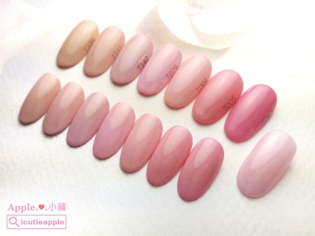 wTS-19:底部彩膠的顏色(由左到右)分別為:Tiara #109、#111、#142、#079、#004、#005、#062。她們分別被Tiara #174(粉紅,最右邊那片)疊擦的效果,完全是粉紅芭比的色系,每個粉紅都讓我愛不釋手了。