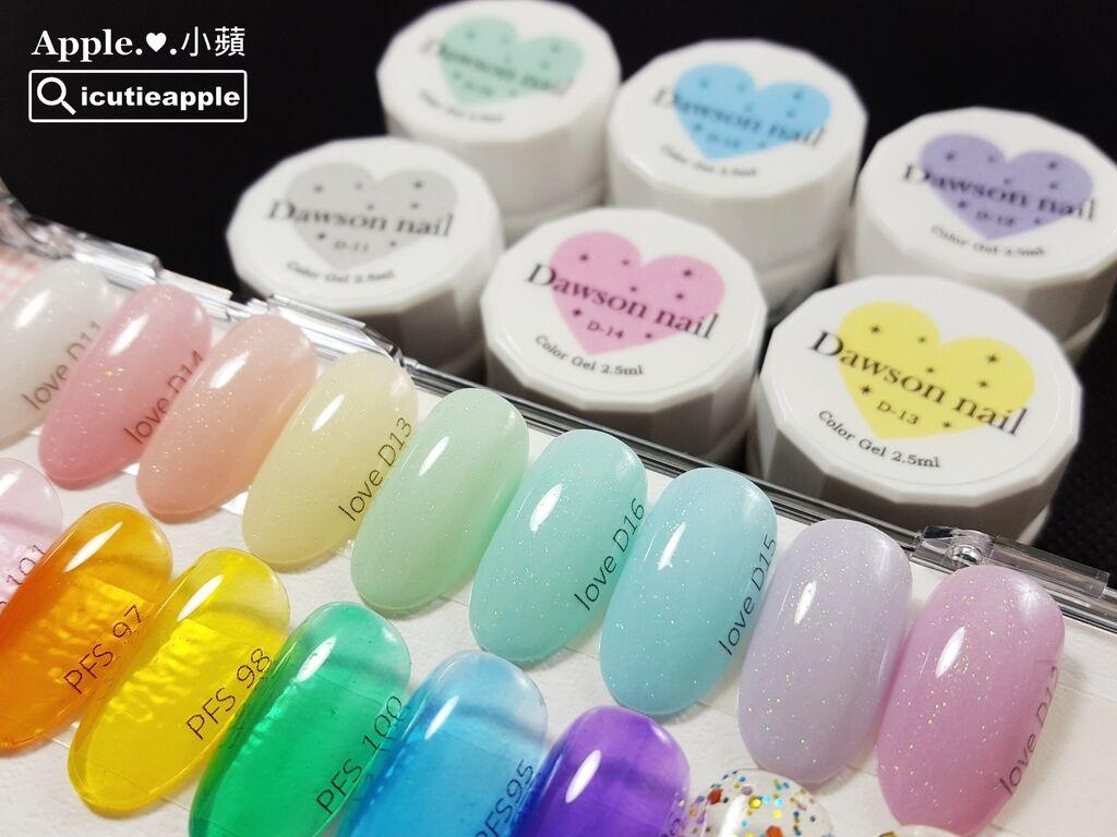 wColor-14-01:上排粉嫩色是Love Dawson系列日本製粉嫩色系彩膠 ,標籤「love」開頭是小蘋為Love Dawson系列彩膠命名的縮寫,緊接在後的則是對照Love Dawson系列彩膠的色號。