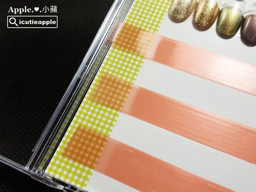 wColor-29-01:接著就是加工。我選用白色的卡紙當底,左側欄部分,我使用有顏色的卡紙做品牌色卡的辨識,這樣存取也會方便許多,這個小巧思分享給大家^^