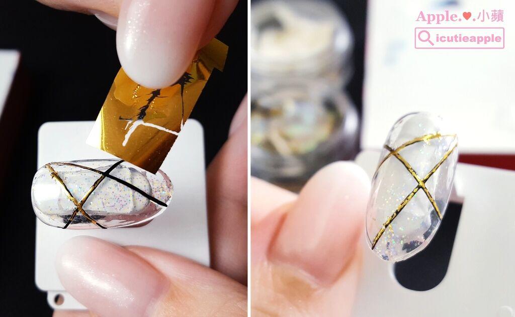 wPuffs-42-01:取一小段的金色星空貼,反覆以沾黏的動作,將星空貼黏貼在黑色線條上就好囉~^^ 復古的古銅效果,是不是就出來了呢?