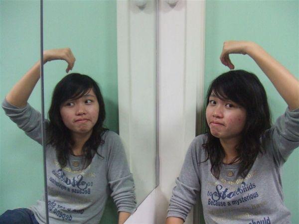 雙胞胎小芬芬 (1).JPG